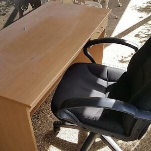 Desk and chair Echuca Campaspe Area Preview