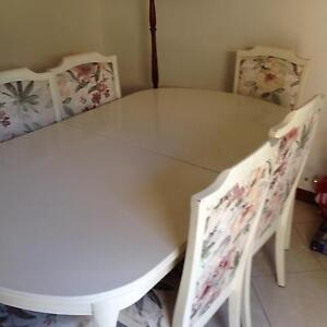 Cream dining room table with matching chairs Golden Grove Tea Tree Gully Area Preview