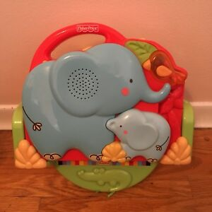 Fisher-Price Luv U Zoo Crib and Go Projector Soother