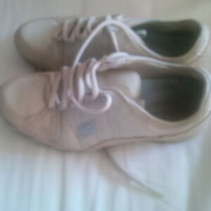 Sketchers ladies - size 5.5