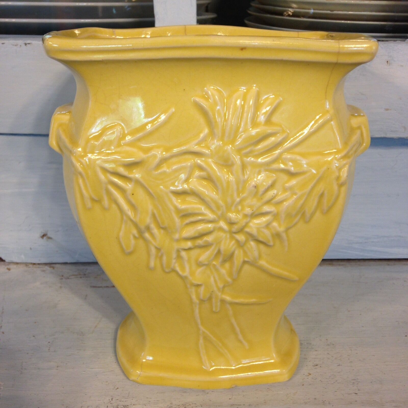 Art pottery pottery china men vintage yellow chrysanthemum mccoy vase reviewsmspy