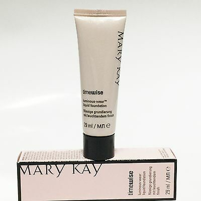 Wear Liquid Foundation (Mary Kay Time Wise Luminous - Wear Liquid Foundation, Ivory, Beige)