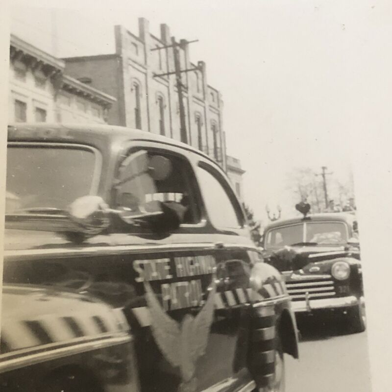 Vtg 1940s Ohio State Highway Patrol Small Town Police Car Photo Original Picture
