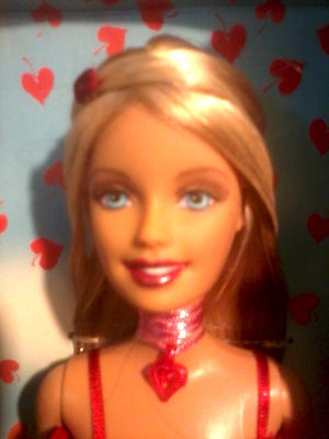 VALENTINES DAY BARBIE DOLL WITH <BONUS> VALENTINES DAY CARD AND NECKLACE INSIDE