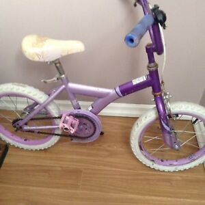 Girls Bike Needs To Be Cleaned Up ......$5 No Hold
