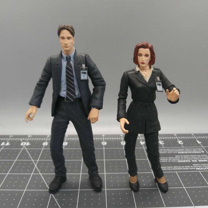 1998 Fox X Files Scully And  Mulder Action Figures Mcfarlane Toys Loose