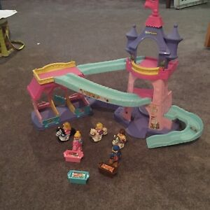 Château Klip Klop Princesses Disney de Little People