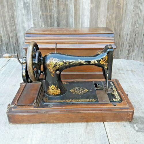 Antique SINGER 28K Hand Crank Sewing Machine w/ Coffin Case P553394 1901