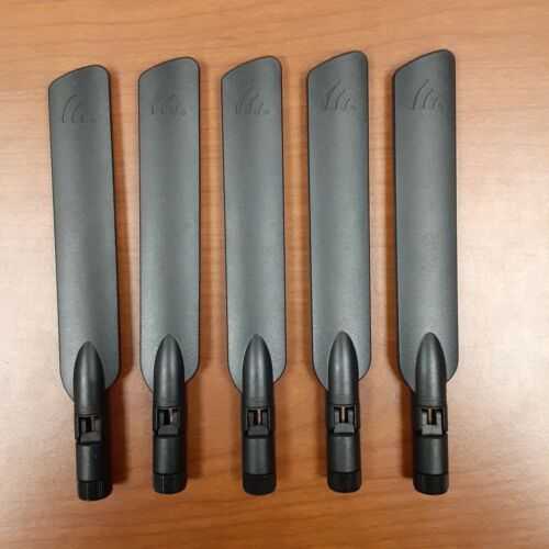 Laird Technologies Right Angle Antenna MAF94300...Lot of 5