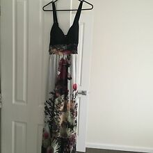 Long floral maxi dress Roxburgh Park Hume Area Preview
