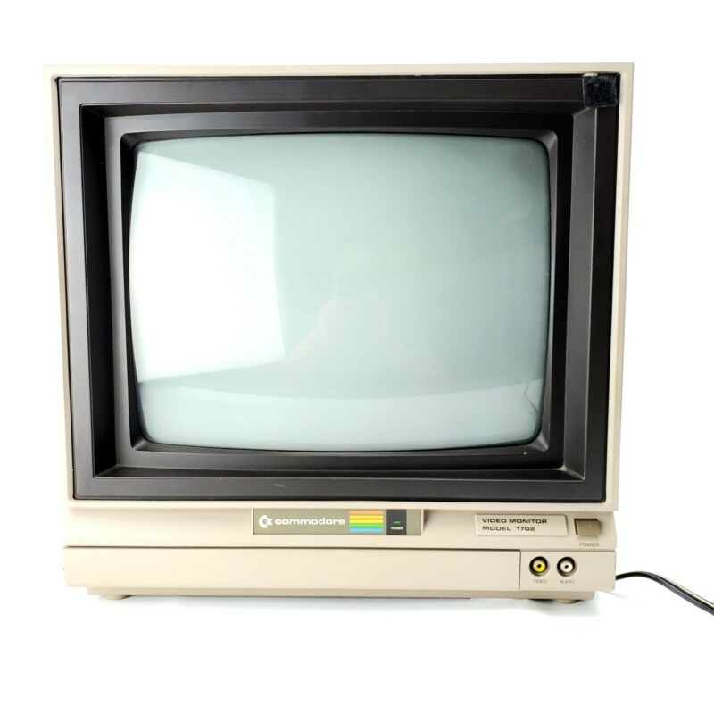Commodore Video Monitor Model 1702 - Vintage Gaming Monitor 1984 Full Color