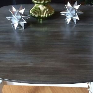 MCM Solid Wood Coffee Table  West Island Greater Montréal image 5