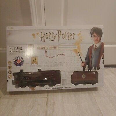 Lionel Harry Potter Hogwarts Express Battery Powered Ready to Play Train Set New