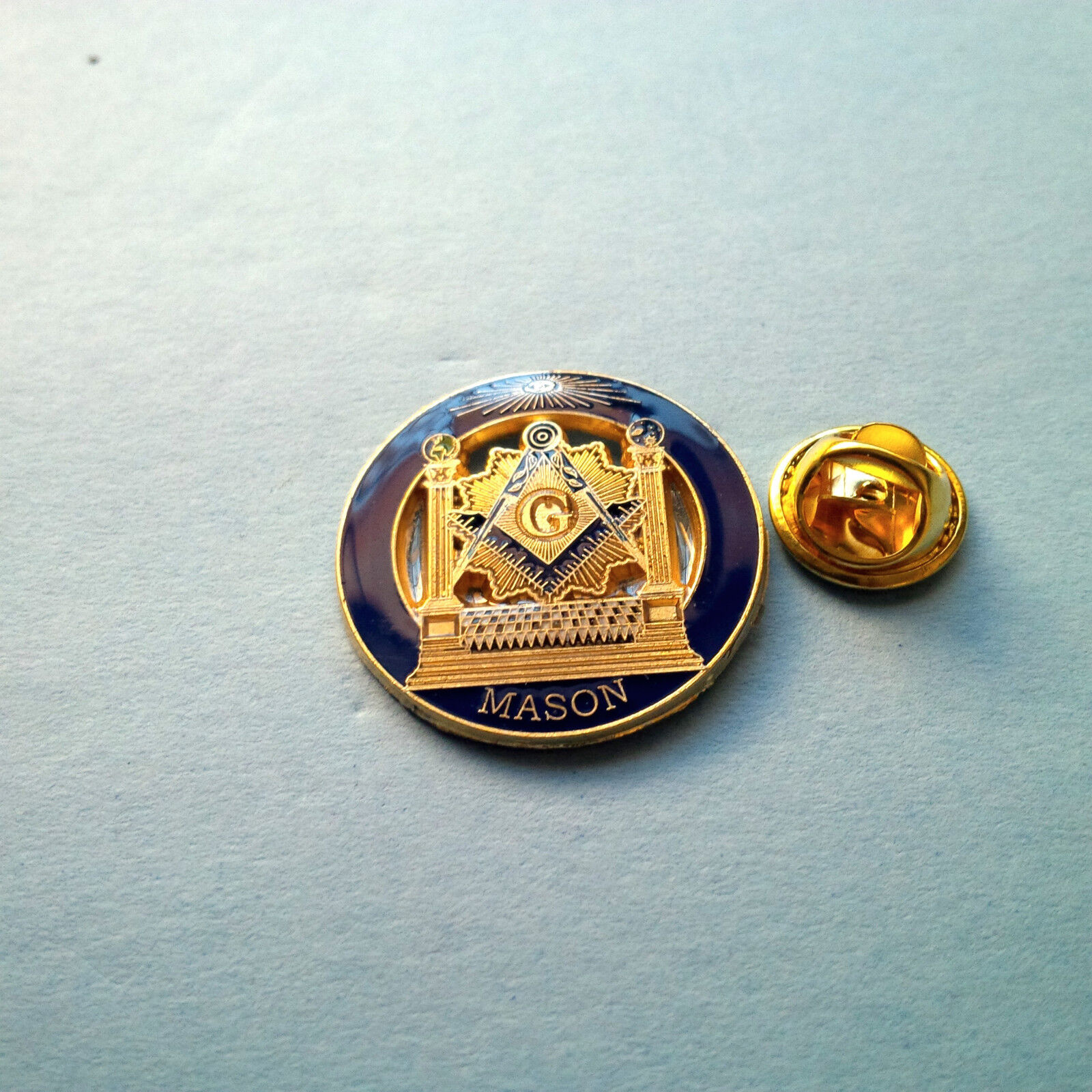 Masonic Master Mason  Lapel Pin