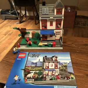 Lego City - City House Set 8403 EUC