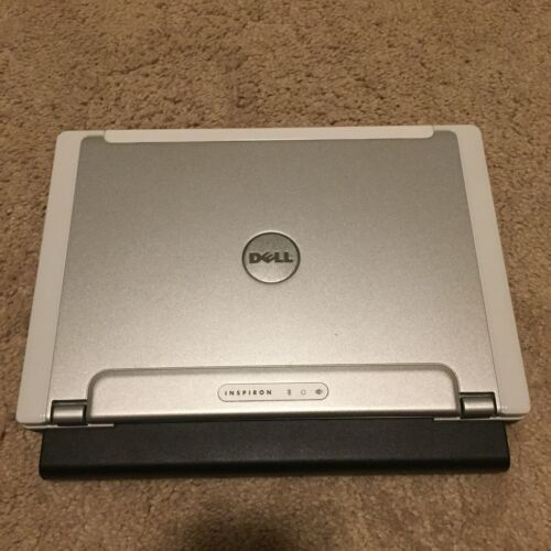 Dell Inspiron 700m  12in Notebook/Laptop Intel Centrino - Windows XP