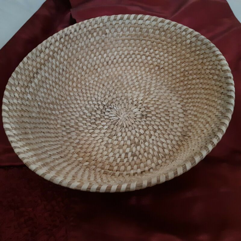 "Vintage Native American Yucca & bear grass basket. 11.5"" x 4.5"" round"