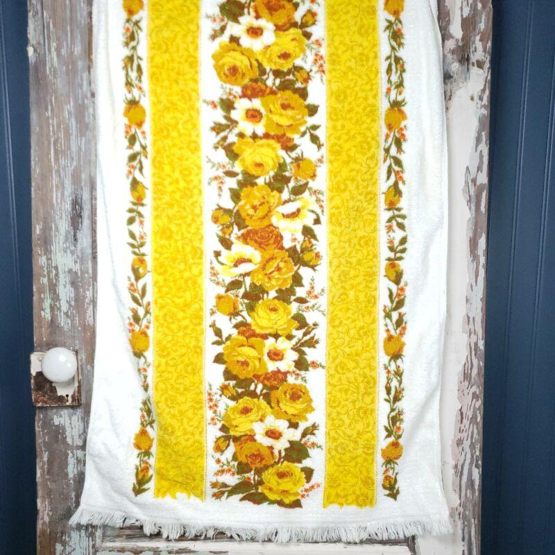 "Vintage Yellow Flower Bath Towel With Fringe 70s Floral Retro 42"" × 24"""