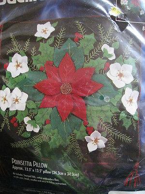 Bucilla FELT Applique Holiday Christmas Craft Kit,POINSETTIA PILLOW,83678