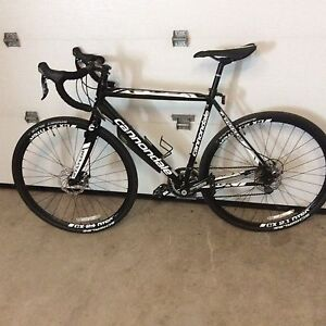 Cyclo-cross Cannondale caadx 105