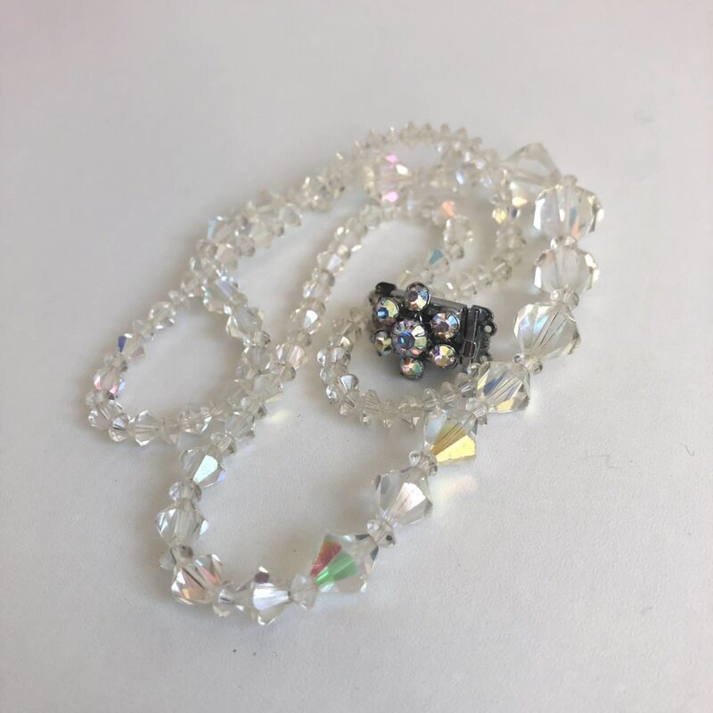 Vintage Aurora Borealis Necklace Faceted Graduated Glass Beads Push Box Clasp