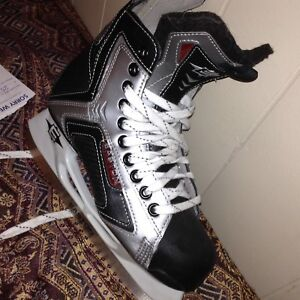 Easton Senergy Reflex Skates Size 6