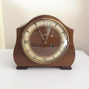 Vintage/retro chiming mantle clock Frankston South Frankston Area Preview