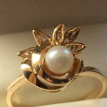Zamels - 9ct Gold, Diamonds and Pearl Ring Ferryden Park Port Adelaide Area Preview