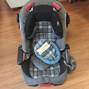 Eddie Bauer 3 in 1 car seater