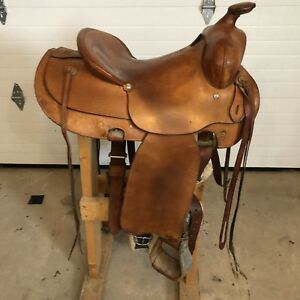 Western Saddle (made by Riley McCormick)