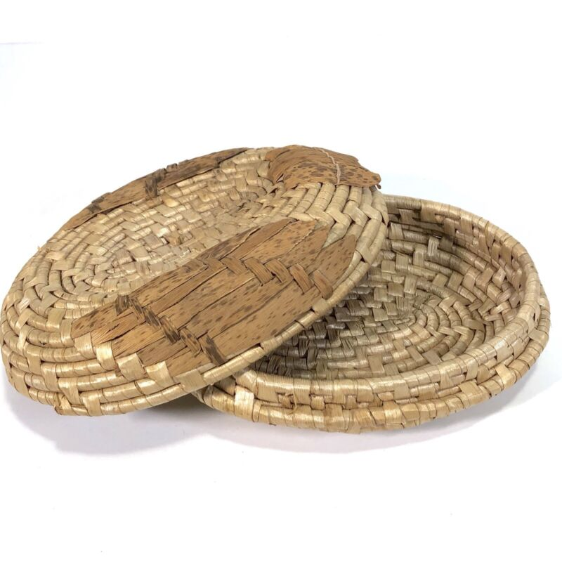 """Vintage Grass Coil Basket w Lid Trinket Storage Small Oval 7"""" Woven Boho Rustic"""