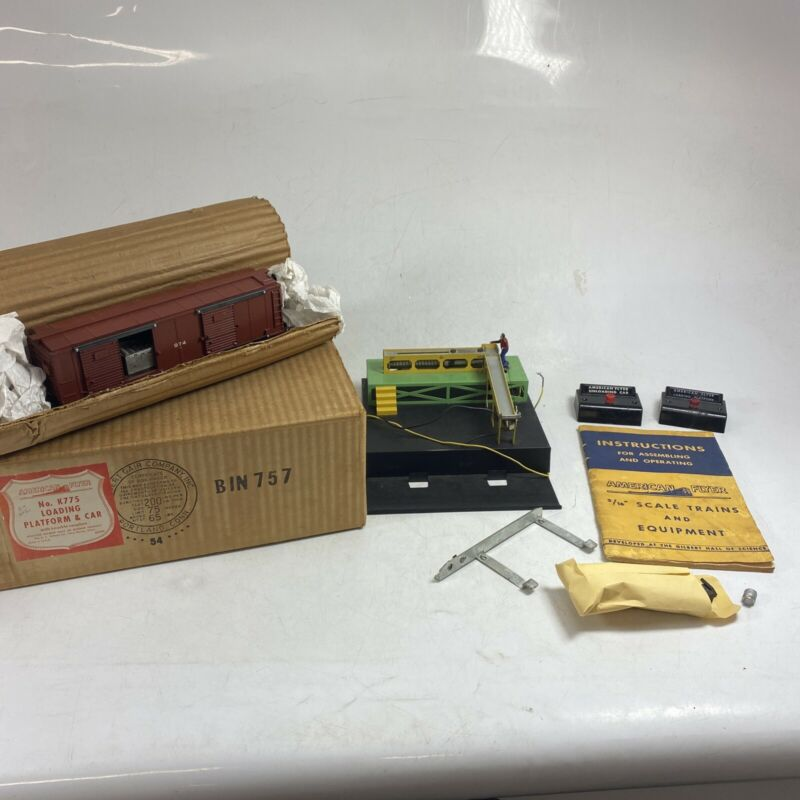 Vintage American Flyer K775 Baggage Loading Platform with 974 Box Car in its Ori