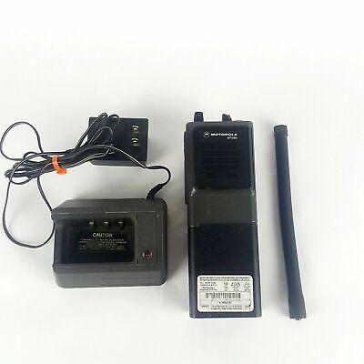 Motorola Mt1000 Portable Handi-talkie Fm Radio Model H43gcu7180an Wcharger