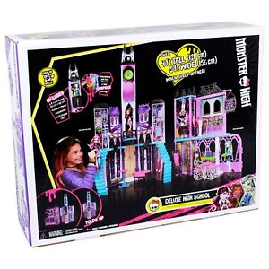 Sealed - Monster High Iconic School Playset