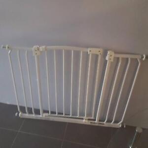 Large Baby Gate Baldivis Rockingham Area Preview
