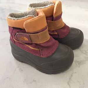 North face boots toddlers size 6