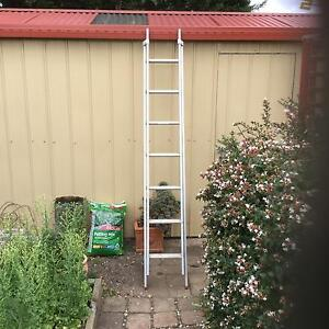 BAILEY EXTENSION LADDER Sunbury Hume Area Preview