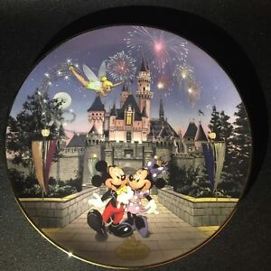 Sleeping Beauty's Castle Plate - Disney's 40th Anniversary