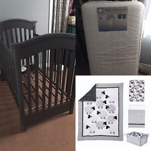 Baby crib, Mattress and Bedding