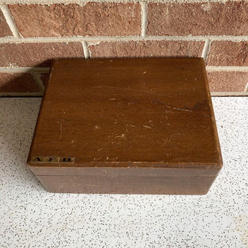VTG Wood Box Humidor? Cigar Box Beat Up, Character!