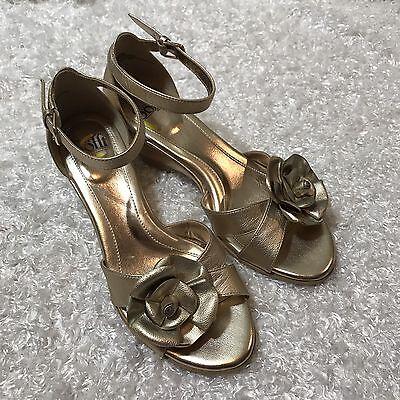 Sofft Women's Gold Metallic Flower Heels Sandals Sz 9 Ankle Strap Shoes Bronze