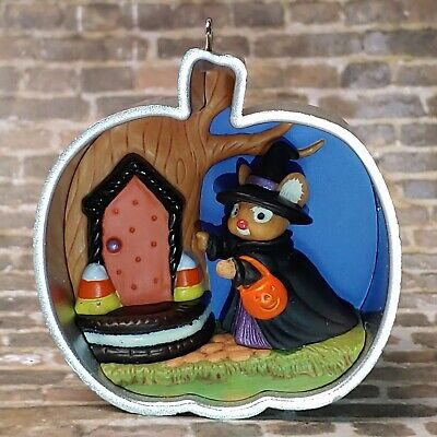 2015 Hallmark ornament Cookie Cutter Happy Halloween pumpkin mouse witch costume