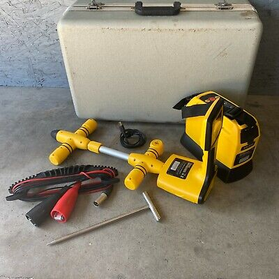 Vivax Metrotech Locator Kit Vm-810 With Case And Accessories