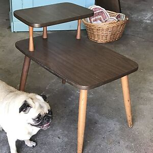 *Retro Vintage End Table. Side Table. Mid Century Modern.
