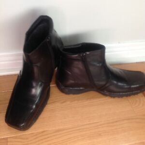 Men's Black Dress boots  size 12 from   (SPRING  shoe store )