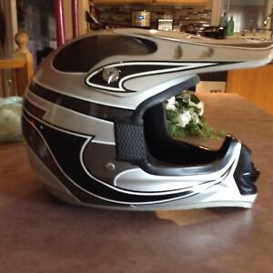 JR DIRT BIKE HELMET .