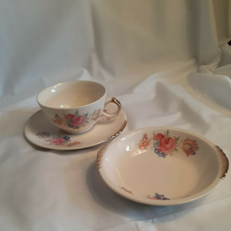 Paden City Pottery U.S.A ROSALEE DISC.1941 (1) COFFEE CUPS  (1)SAUCER & (1) BOWL