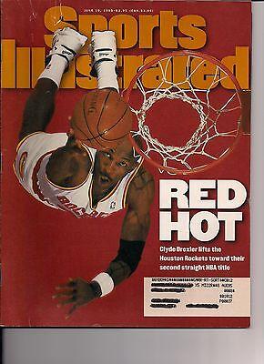 JUNE 19, 1995 SPORTS ILLUSTRATED - CLYDE DREXLER - Houston Rockets