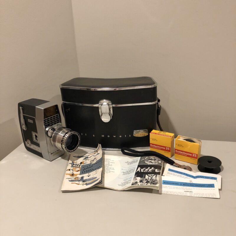 Bell & Howell Zoomatic Director Series 8mm Film Camera w/ Case + Accessories