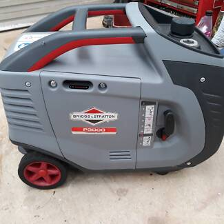 BRIGGS AND STRATTON PORTABLE GENERATOR P3000